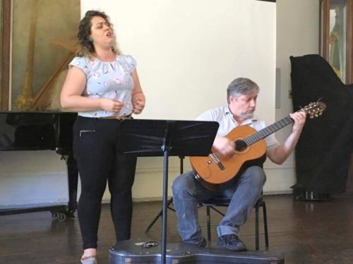 Estreia Mundial da obra Yemanjá de Eduardo Cameniezki. Yasmini Vargas (voz) e Eduardo Cameniezki (violão)