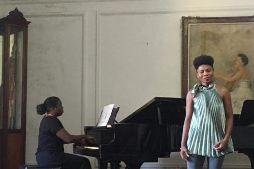 Recital Antonilde Pires (voz) e Sulamita Lage (piano)